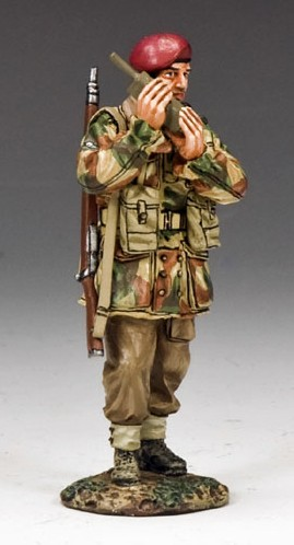 """King and Country MG041(P): """"Walkie-Talkie"""""""