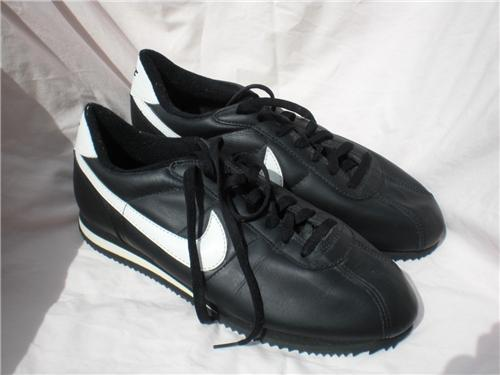 quality design 9d5b1 3b549 vintage MEN'S NIKE CORTEZ black white swoosh black sole size 11 gently used
