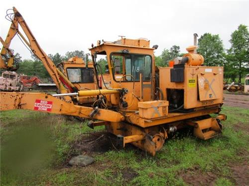 JACKSON 950 TIE CRANE  MOW MAINTENANCE OF WAY RR RAILROAD