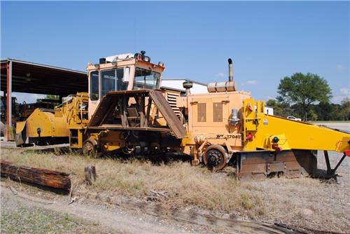 RAILROAD MAINTENANCE OF WAY 2011 KERSHAW 46-2 BALLAST REGULATOR CAT POWERED