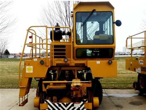 2012 TRACKMOBILE HURCULES RAIL CAR MOVER JUST OFF OF LEASE WITH WORKING REMOTE
