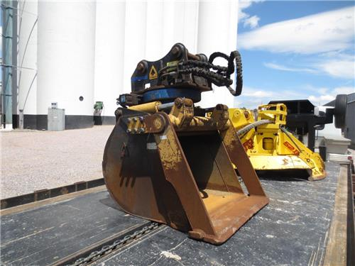360 degree grip and ditch 4 Dymax clam bucket  SN# 153249 - CAT 312 linkage