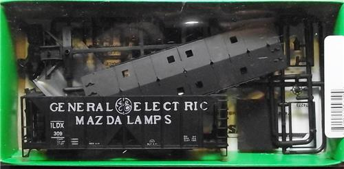 HO Gauge Kit-Bowser-55620-G E Mazda Lamps-ACF 70 Ton 2 Bay Covered Hopper Kit