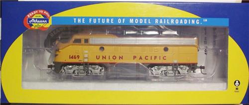 HO Gauge-Athearn-80213-EMD F7A Diesel Locomotive-Union Pacific Railroad #1469