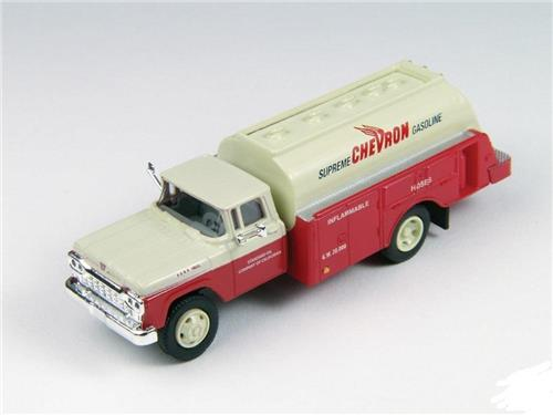 HO Scale-Classic Metal Works-30420-1960 Ford Gas & Oil Tank Truck-Chevron Oil Co