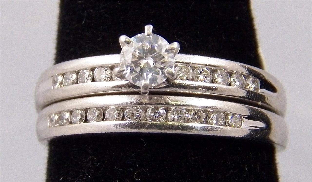 ESTATE PLATINUM WEDDING SET, DIAMOND SOLITAIRE WITH DIAMOND ACCENTS