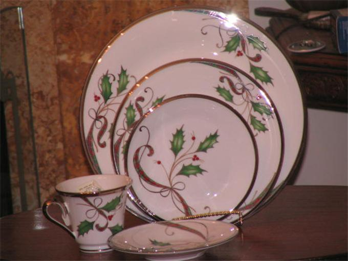 LENOX HOLIDAY NOUVEAU PLATINUM WHITE CHRISTMAS DINNERWARE BONE ...