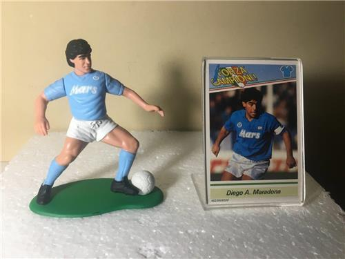 1989 Diego Maradona Dribbling Opened Soccer Starting Lineup Figure with Card