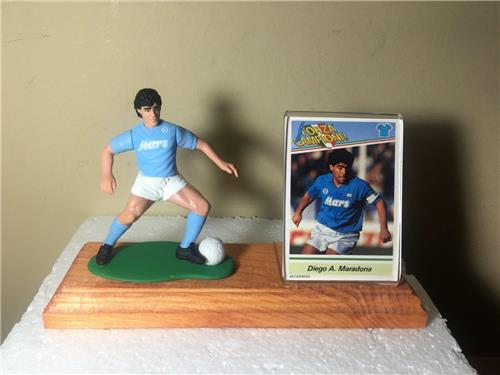 Diego Maradona Starting Lineup (Dribbling) Wood Display with Acrylic Card Holder